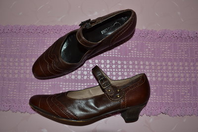 Р. 40-41 стелька- 27,5 см. Туфли Donna Carolina Италия фирменные оригинал