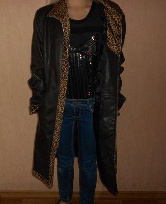 Пальто демисезонное плащ под кожу 44,46 размер.