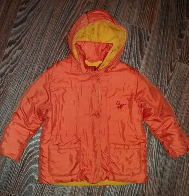 Курточка на 5-6 л.весна,осень