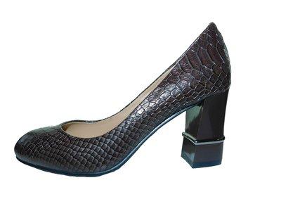 Коричневые недорогие туфли