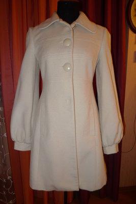 Пальто белое р.48